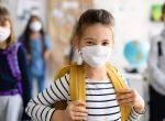 Ab 35er Inzidenzschwelle gilt Maskenpflicht in Schulen außerhalb des Unterrichts